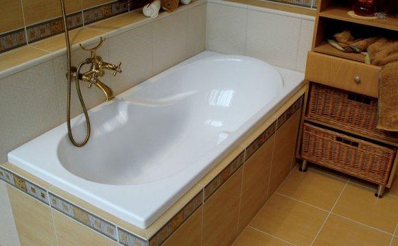 Установленная акриловая ванна